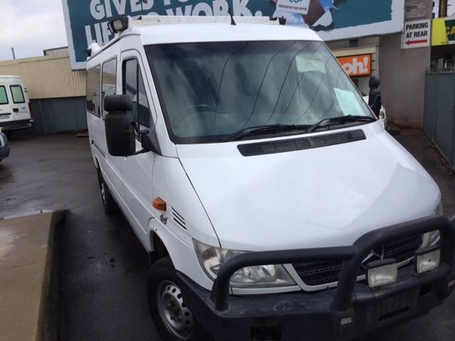 Campervans For Sale >> 2006 MERCEDES SPRINTER 4x4 AMBULANCE - Polcar Used Vans ...